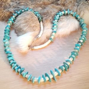 Vintage turquoise and she'll necklace